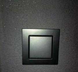 Zwarte lichtknop